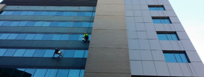 high rise commercial cleaning brisbane
