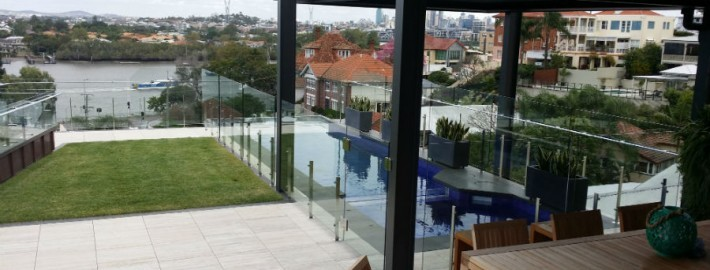 pool side glass window cleaning brisbane